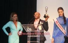 10-17-2013 Premios Latinos